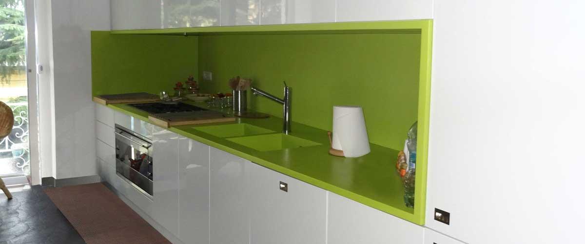 Arco arredo art design in dupont corian cucine in - Top cucina corian prezzi ...